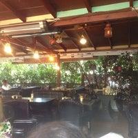Foto diambil di La Vraie Ambiance Cafe & Restaurant oleh Irem K. pada 7/21/2013