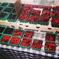 Снимок сделан в Rockefeller Center Farmers Market пользователем Joasia 7/25/2013