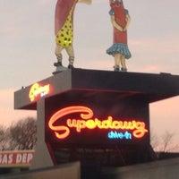 Photo prise au Superdawg Drive-In par Romeo M. le12/13/2012
