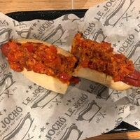 Foto tomada en Le Jocho Gourmet Hot Dogs por José Antonio M. el 11/1/2018