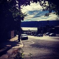 Снимок сделан в Maud's Tavern пользователем Christopher C. 9/7/2013