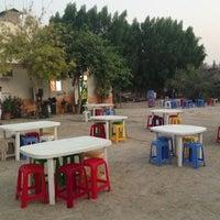 รูปภาพถ่ายที่ Bu Qtair Restaurant โดย Alaa T. เมื่อ 9/18/2013