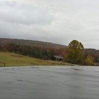 Das Foto wurde bei Lake Fort Smith State Park von Gabrielle B. am 11/4/2013 aufgenommen