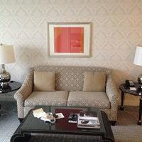 Снимок сделан в The Ritz-Carlton Chicago пользователем Christopher S. 5/3/2013