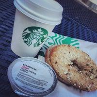 Foto tomada en Starbucks por Techi el 10/22/2013