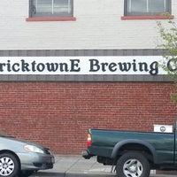 รูปภาพถ่ายที่ Bricktowne Brewing โดย Brian W. เมื่อ 4/22/2013
