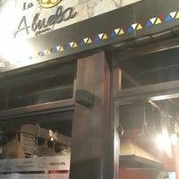 Foto tomada en La Abuela - Casa de empanadas por Rodrigo C. el 5/1/2014