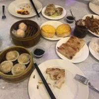 Снимок сделан в Super Star Asian Cuisine пользователем Up L. 6/24/2018