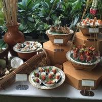 Foto diambil di Bankampu Tropical Café oleh Orn-Uma K. pada 12/16/2015