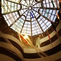 Foto tomada en Solomon R Guggenheim Museum por Lucas T. el 4/20/2013