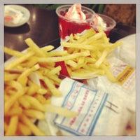 Foto scattata a Burger King da Chingyee ლ. il 4/27/2013