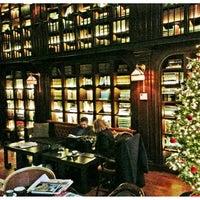 Foto scattata a The Library at The NoMad da Jonathan R. il 12/16/2012