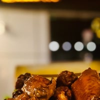 Photo taken at Wingsters وينجستر by Abdulla A. on 2/21/2020