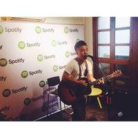 Снимок сделан в Spotify Asia HQ пользователем bellestar 5/20/2015