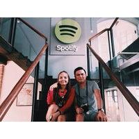 Снимок сделан в Spotify Asia HQ пользователем bellestar 3/14/2015