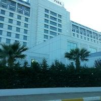 รูปภาพถ่ายที่ The Green Park Pendik Hotel & Convention Center โดย Sena T. เมื่อ 5/25/2013