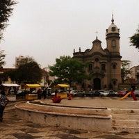 Das Foto wurde bei Praça Cornélia von Thamires S. am 10/25/2014 aufgenommen