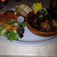 Foto diambil di Los Amates Mexican Kitchen oleh Gerard M. pada 4/17/2013