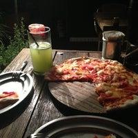 Foto diambil di Artigiano Pizza Rústica oleh Alex D. pada 8/10/2013