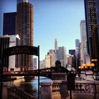 3/22/2013 tarihinde Jose Antonio T.ziyaretçi tarafından Chicago Riverwalk'de çekilen fotoğraf