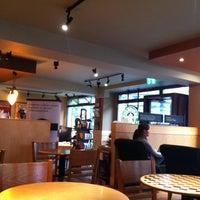 Foto tomada en Starbucks por My linh V. el 4/29/2013