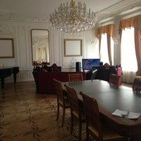 Foto diambil di Rossi Boutique Hotel St. Petersburg oleh Mariia E. pada 4/27/2013