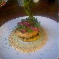 Foto tomada en i Latina Restaurante por Gustavo S. el 6/9/2013