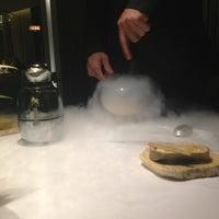 Foto tomada en ABaC Restaurant & Hotel por Elisabet M. el 12/21/2012
