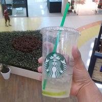 Das Foto wurde bei Starbucks von Ricardo M. am 8/24/2014 aufgenommen