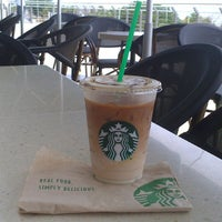 Das Foto wurde bei Starbucks von Ricardo M. am 5/1/2015 aufgenommen