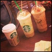 Das Foto wurde bei Starbucks von Ricardo M. am 9/29/2013 aufgenommen