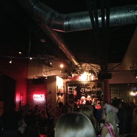 Das Foto wurde bei Jolly's American Beer Bar & Dueling Pianos von Diana R. am 4/28/2013 aufgenommen