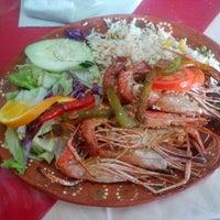 Photo prise au Restaurante los 7 mares par Bernice S. le8/17/2013