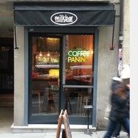Das Foto wurde bei Milkbar Coffee & Panini von Milkbar Coffee & Panini am 3/5/2014 aufgenommen