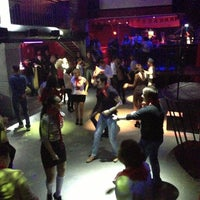 Ночной клуб в орехово зуево фото девушка танцует стриптиз в баре