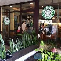 Foto tomada en Starbucks por Tomoaki A. el 3/6/2013
