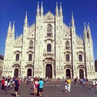 รูปภาพถ่ายที่ Duomo di Milano โดย Mike G. เมื่อ 4/19/2013