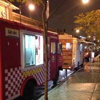 10/19/2012 tarihinde Kevinziyaretçi tarafından Fischman Liquors & Tavern'de çekilen fotoğraf