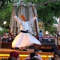 Foto tomada en Mihri Restaurant & Cafe por İsmigül K. el 6/14/2018