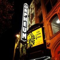 Foto scattata a SHN Orpheum Theatre da Brenda il 11/28/2012