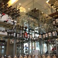 10/12/2012 tarihinde Jayvee F.ziyaretçi tarafından Da.u.de Tea Lounge'de çekilen fotoğraf