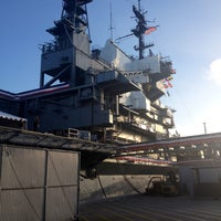 Foto diambil di USS Midway Museum oleh brian M. pada 5/30/2013