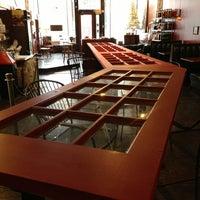 12/29/2012에 Eric Thomas C.님이 Silverbird Espresso에서 찍은 사진