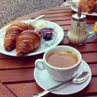 Foto diambil di Café Kanel oleh Dima Z. pada 8/10/2013