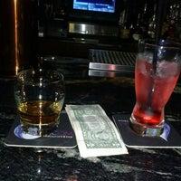 Das Foto wurde bei Liquid Room Restaurant & Bar von Charlette am 11/3/2013 aufgenommen