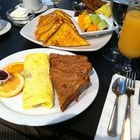 Photo prise au Paul's Place Omelettery Restaurant par James W. le9/1/2012