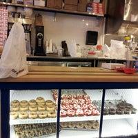 Photo prise au Federal Donuts par David S. le2/8/2013