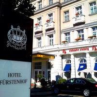 รูปภาพถ่ายที่ Hotel Fürstenhof โดย Christian K. เมื่อ 9/16/2012