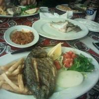 10/23/2013 tarihinde Sinan A.ziyaretçi tarafından Calamar Restaurant'de çekilen fotoğraf