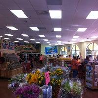 6/29/2014 tarihinde Stefanie S.ziyaretçi tarafından Trader Joe's'de çekilen fotoğraf